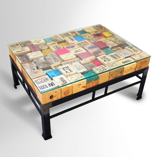 Printed Pallet-blocks Coffee Table – Metal base